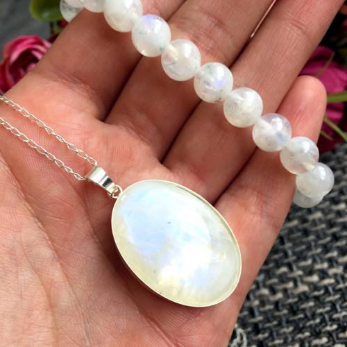 Výrazný stříbrný náhrdelník měsíční kámen ag925