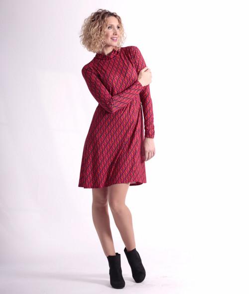 Barevné zvonové šaty s roláčkem