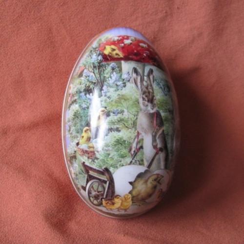Velikonoční kovová pouzdra