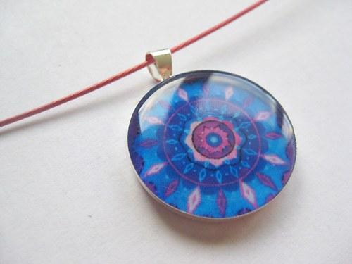 Mandala vesmírna - prívesok v živici