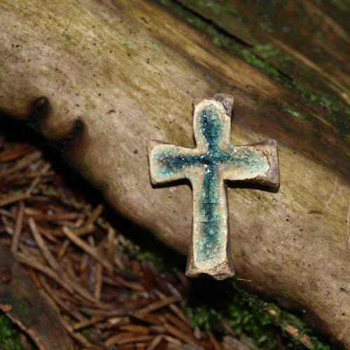 Keramický křížek bez očka
