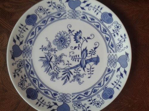 Starý talíř - skoro cibulák