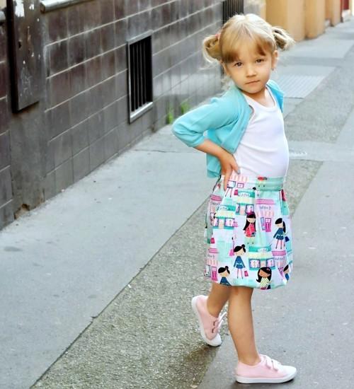 Dívčí šatičky s balonovou sukní