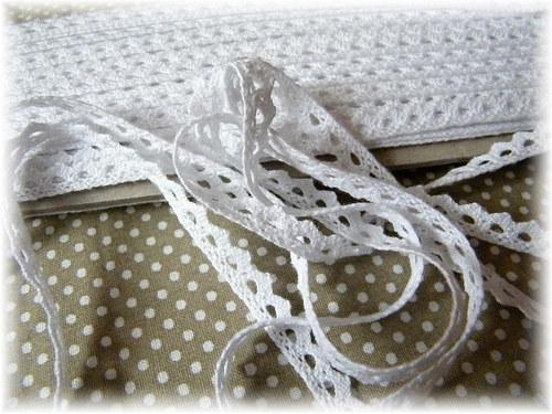 bílá krajka šíře 8 mm