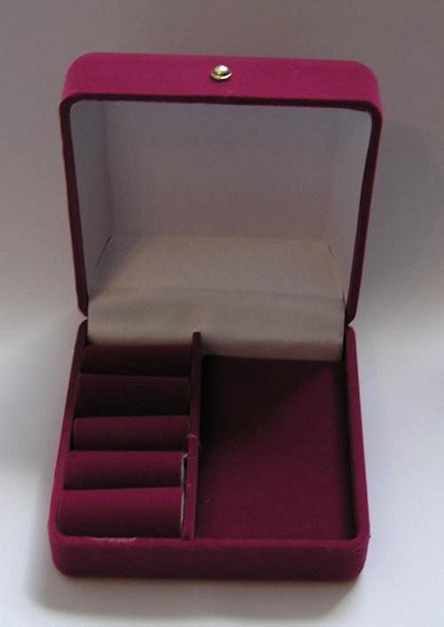 Sametová krabička na šperky - fialová