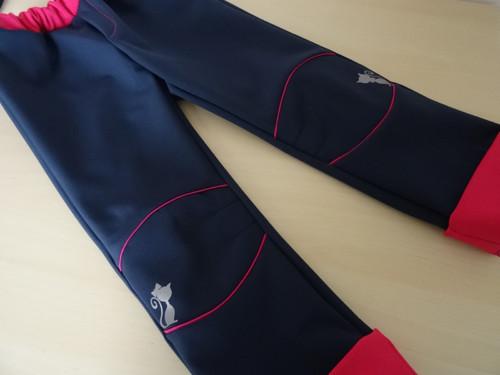 Rostoucí softshellové kalhoty tmavomodré s růžovou