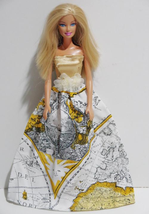 Zlatobiele princeznovské šaty pre Barbie
