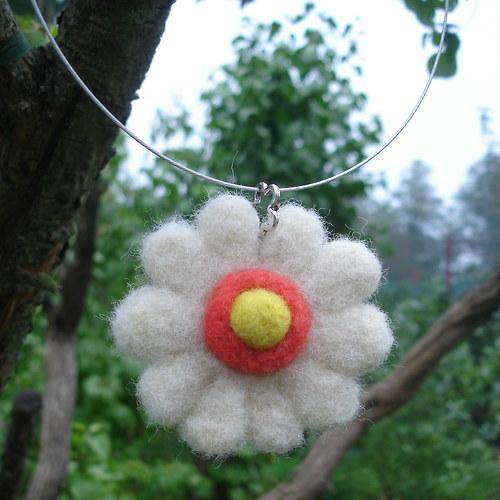 Květinka - náhrdelník