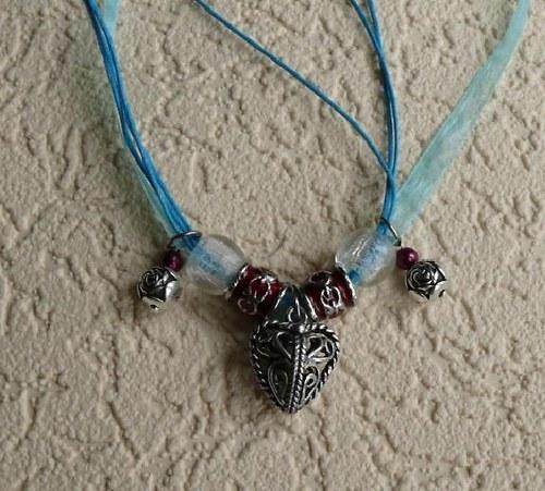 náhrdelník modrý - filigránové srdce - organza