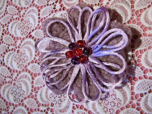 Zasněžené květiny I. - fialová brož