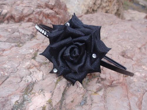 čelenka Black rose
