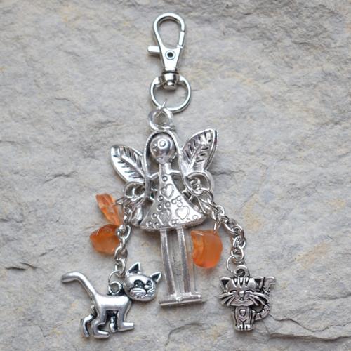 Andělka chrání kočky - karneol