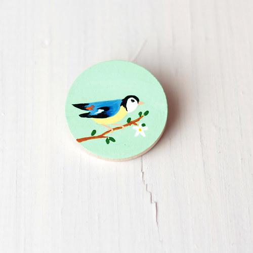 Brož s ptáčkem