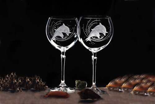 2x sklenice na červené víno 450 ml - motiv delfína