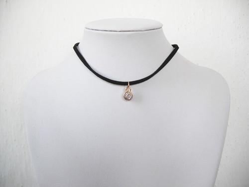 Choker náhrdelník s přívěškem stříbrným