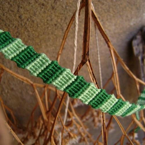 Jarně zelený náramek