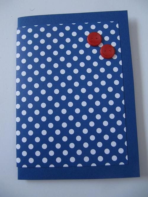 modrá-červená-bílá v puntíku