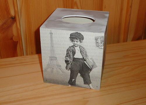 Krabička na kapesníky - školáček v Paříži