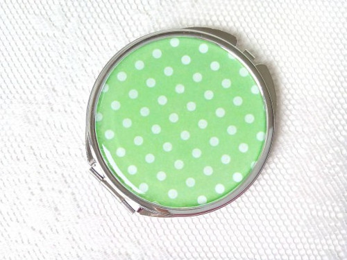 Retro mirror (green/white polka dots)