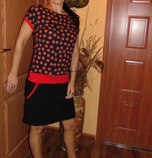 šaty jahůdkové