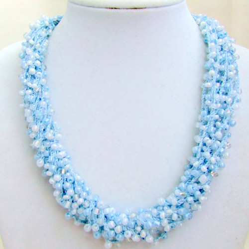 Háčkovaný náhrdelník Modré z nebe