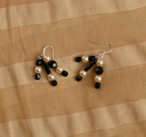 náušnice  perlové + černé - 3 závěsy