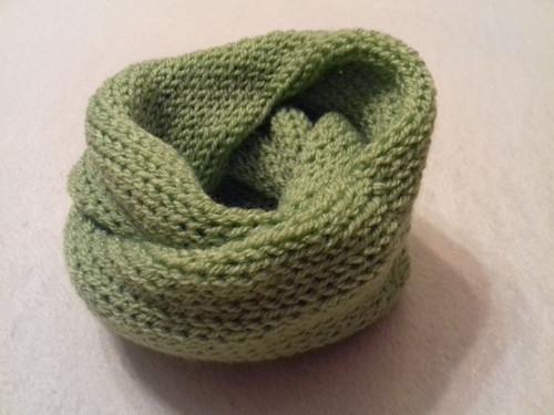 Dětský pletený nákrčník tunel zelenkavý