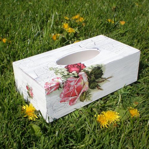 Růže a konvalinky – krabička na kapesníčky