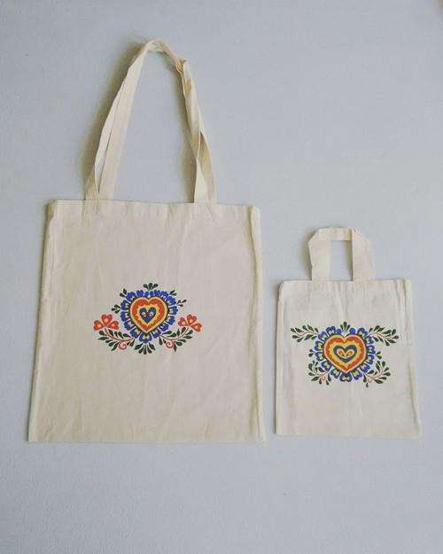 Plátěná taška s ručně malovanými ornamenty