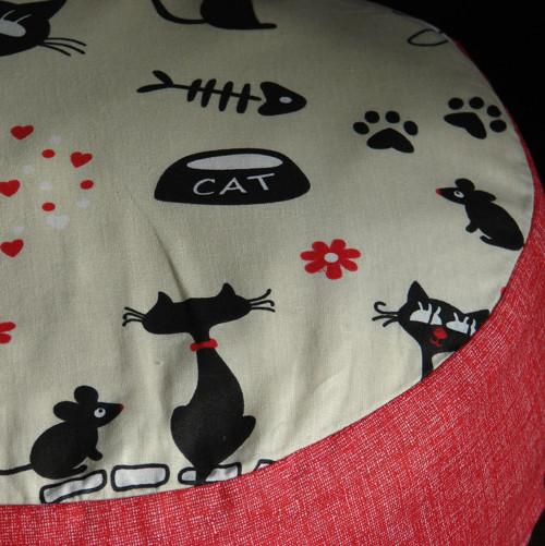 Hravé kočky - pohankovošpaldový podsedák
