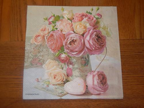 Ubrousek na decoupage - květiny v konvici