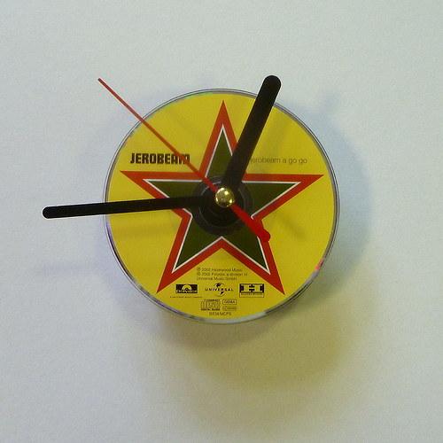 hodin z originálního cd mini