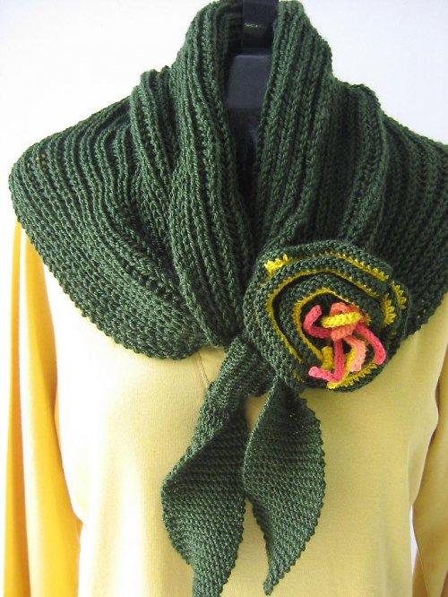 Pletená zelená šála