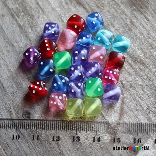 Plastové korálky 24ks