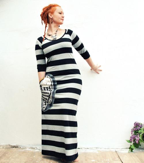"\""Tim Burton\"", dlouhé šaty smaxikapsou"