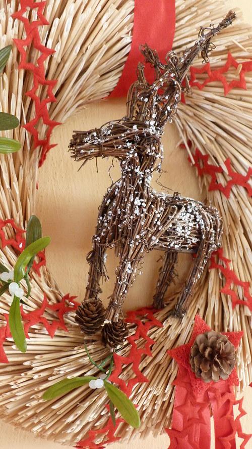 Velký vánoční věnec - sobí s hvězdičkami