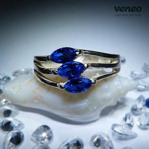 Clea - prsten se safíry