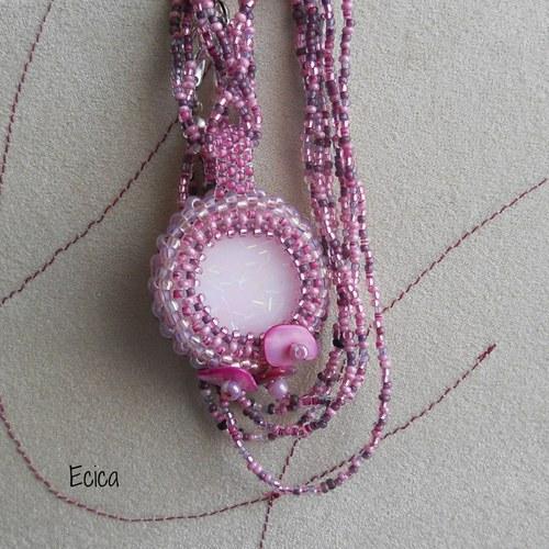 Růžová pěna