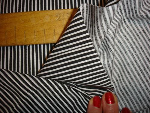 černobílý proužek-cena za 10cm,šíře 150cm