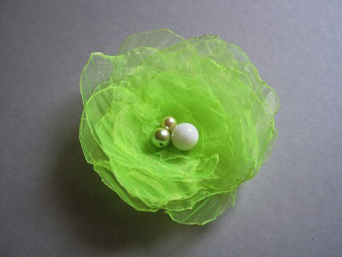 Fosforovězelenkavý květ