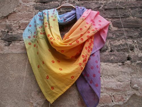 Velký,barevný,lehoučký šátek