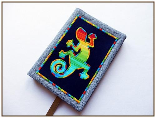 Obal na knihu s ještěrkou v barvě duhy