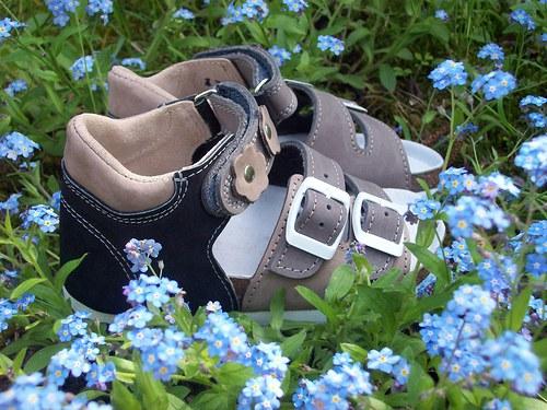 dětské sandálky s kvítky (vel.31-35)
