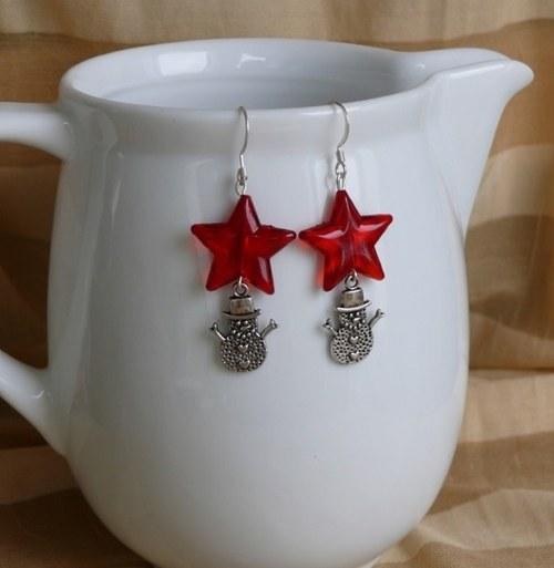 vánoční  náušnice - červené hvězdy + sněhulák