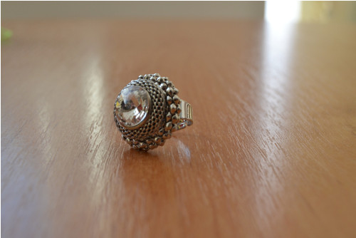 Krásný prsten s čirým kamenem preciosa