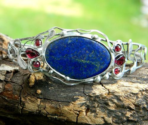Náramek s lapis lazuli