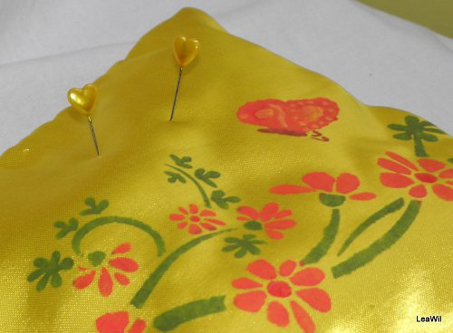 Minipolštářek 2 v 1 žlutý rozkvetlý