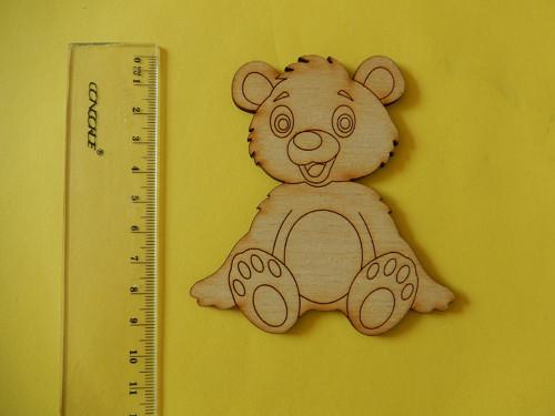 Medvídek - dřevěný výřez