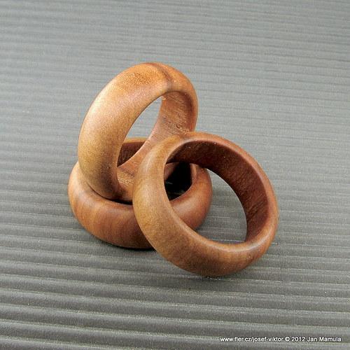 LESNÍ PANNA dřevěný prstýnek jabloň