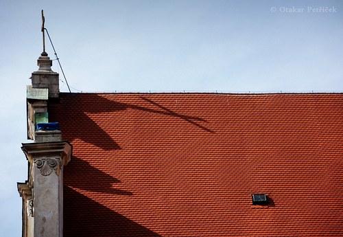 Na střeše X